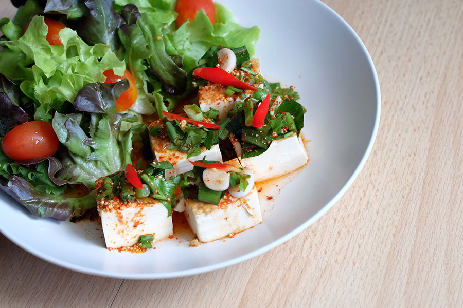 asian-salad-with-tofu-and-fresh-vegetables